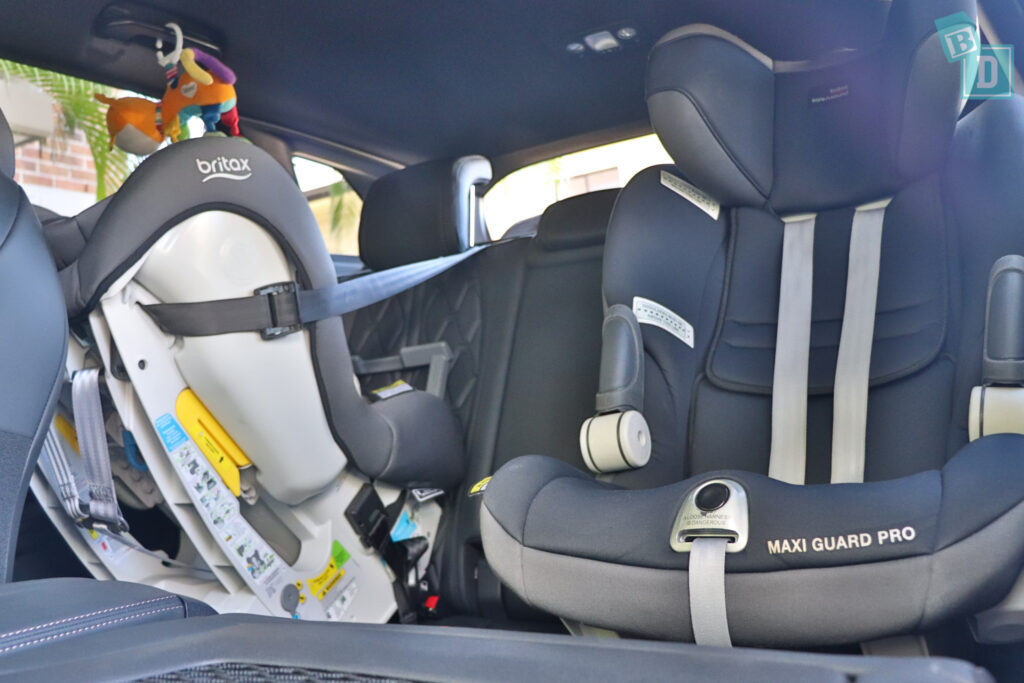 2021 Peugeot 3008 GT with two child seats installed